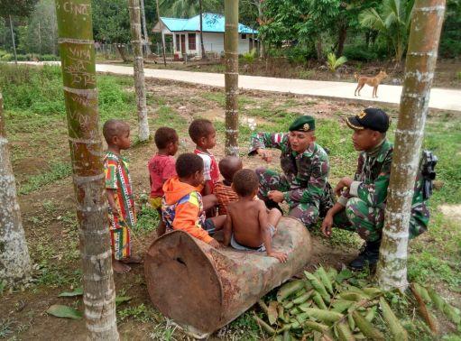 Kedekatan Para Prajurit Diantara Ank-anak